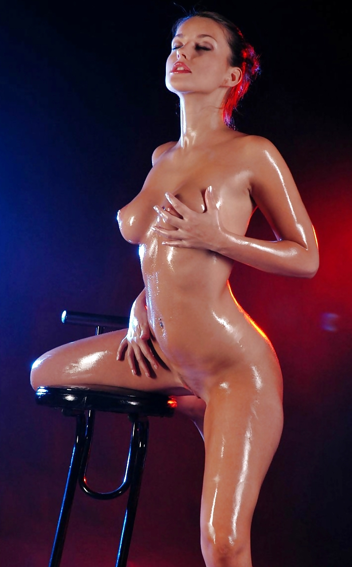 oiled-nude-girls-partner-pornotures