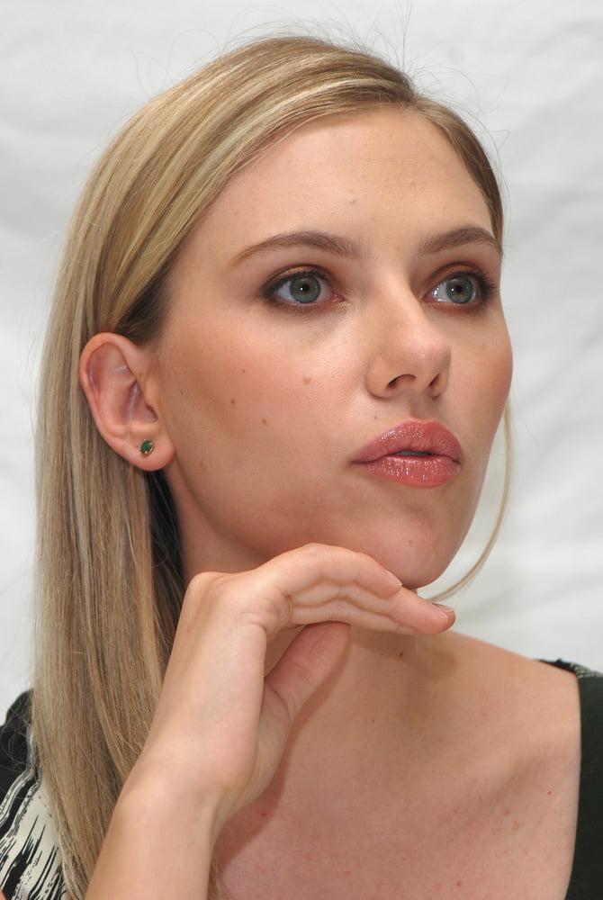 Sexy Scarlett