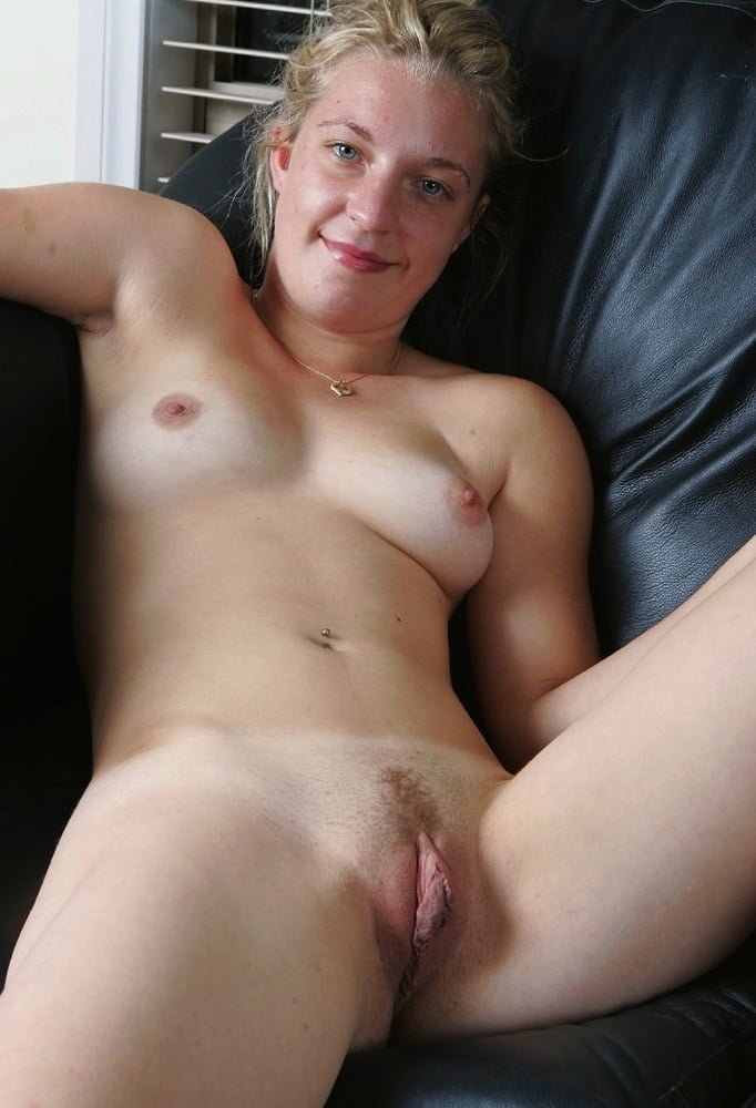 Beautiful nude women shaved pussy