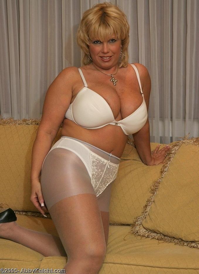 Mature lingerie tgp