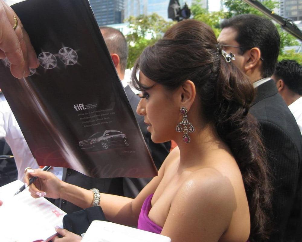 Rani mukherjee naked boobs-2726