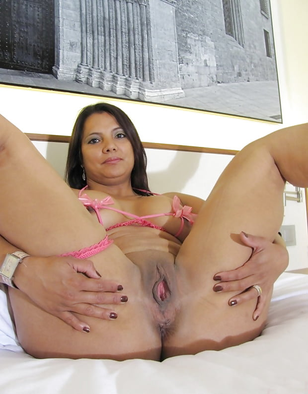 julia-youtube-mature-brazilian-girls-nude-hairy-vagina-naked