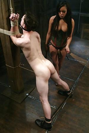 Ebony lesbian porn clips