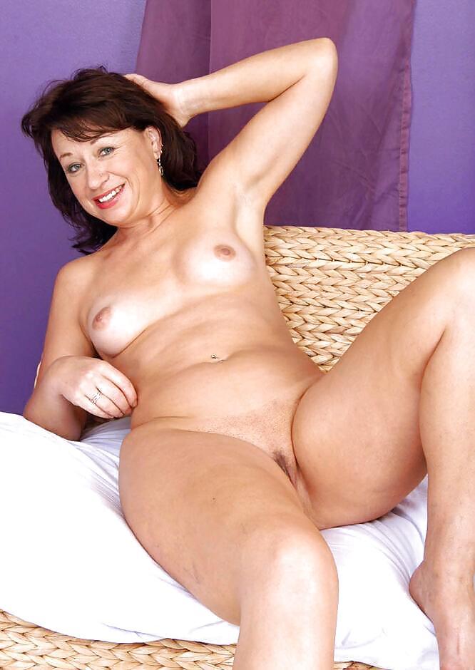 моя голая тетушка порно разве