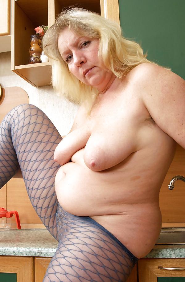 Mature tits mom-1541