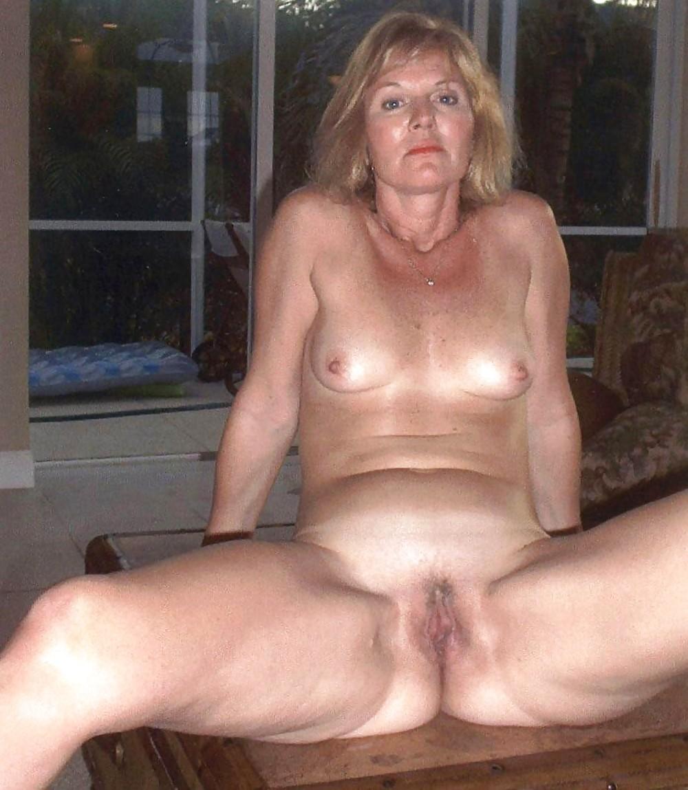 соединить две порно фото зрелые женщины краснодара засовывали сразу два