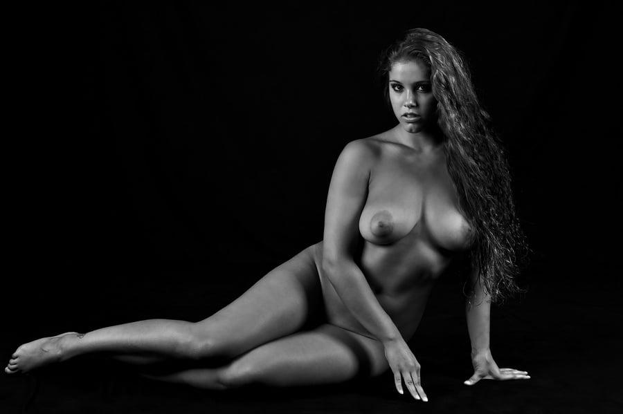 строгие женщины ню фото порно