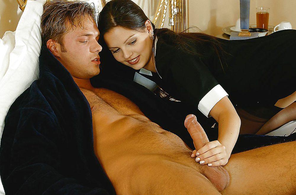 Завтрак в постель порно, видео мастурбирующих девушек в эротических чулках