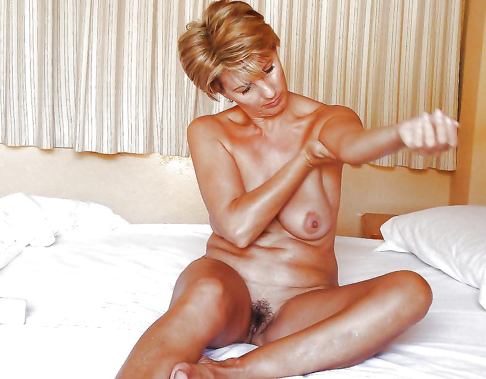 моя голая тетушка порно живота