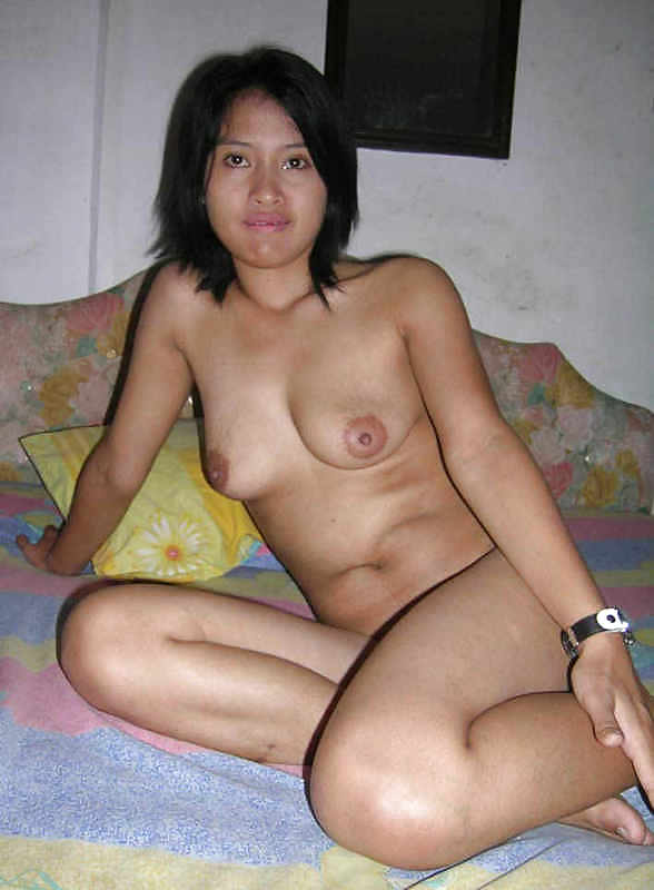 Fingering herself myanmar xxx girls porn babe