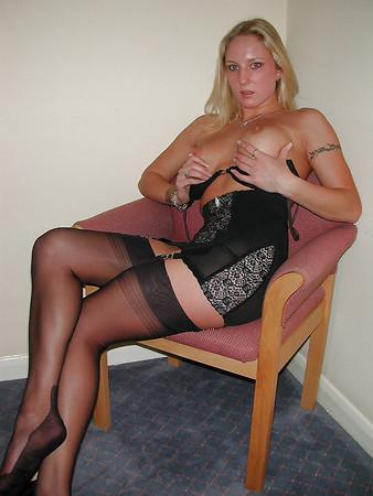 Ex-Girlfriend Laura posing in black FF-Nylons