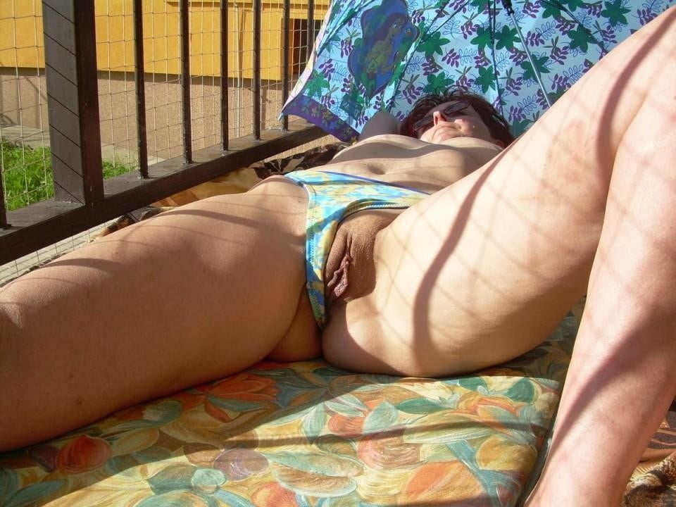 Catching A Peek Of Mom And Her Panties - 87 Pics -6075