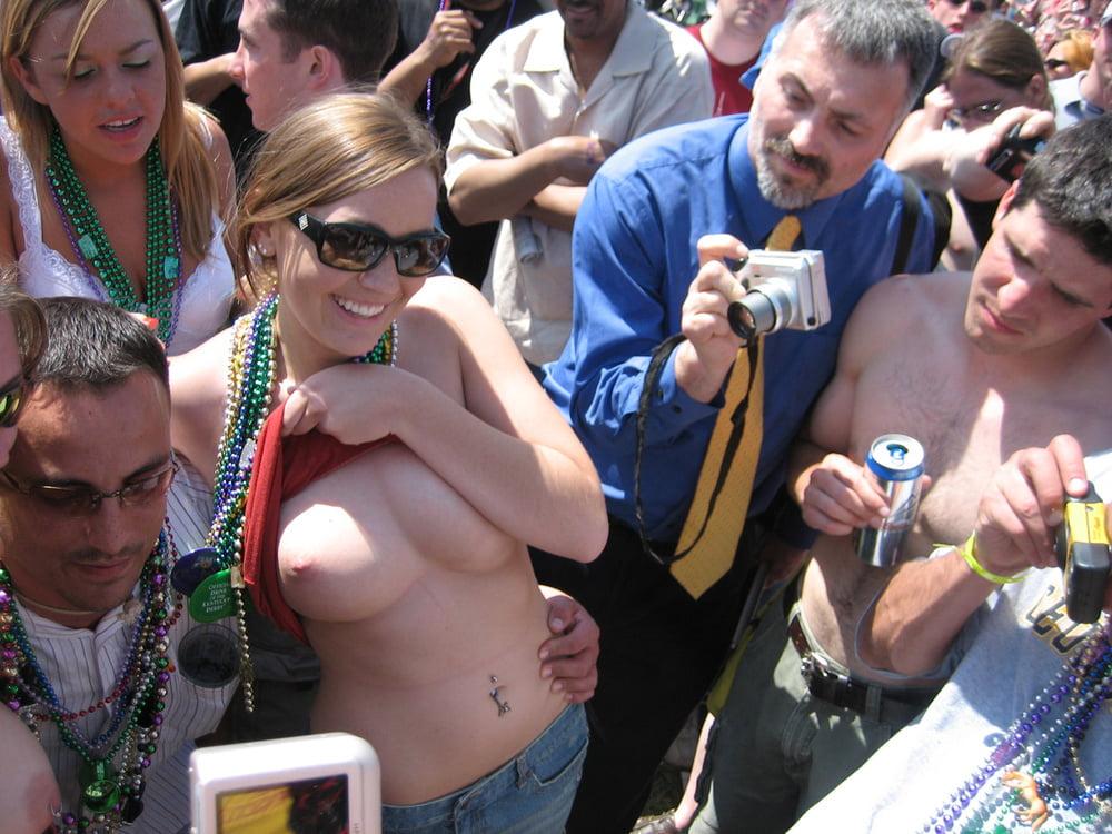 boob-show-clip