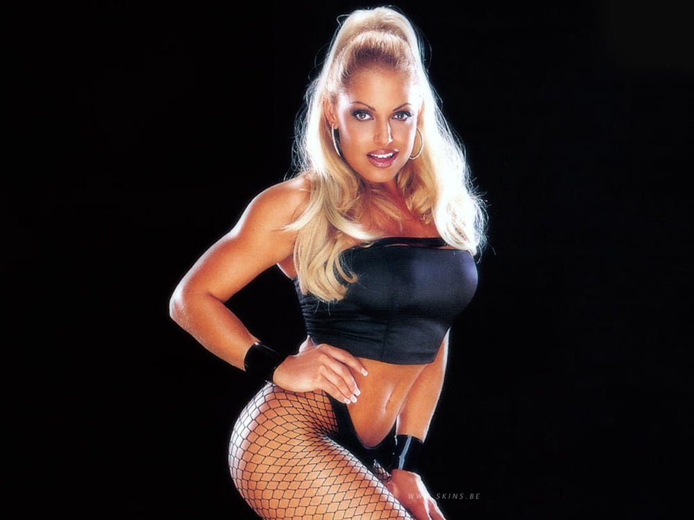 I wanna tongue fuck trish stratus asshole