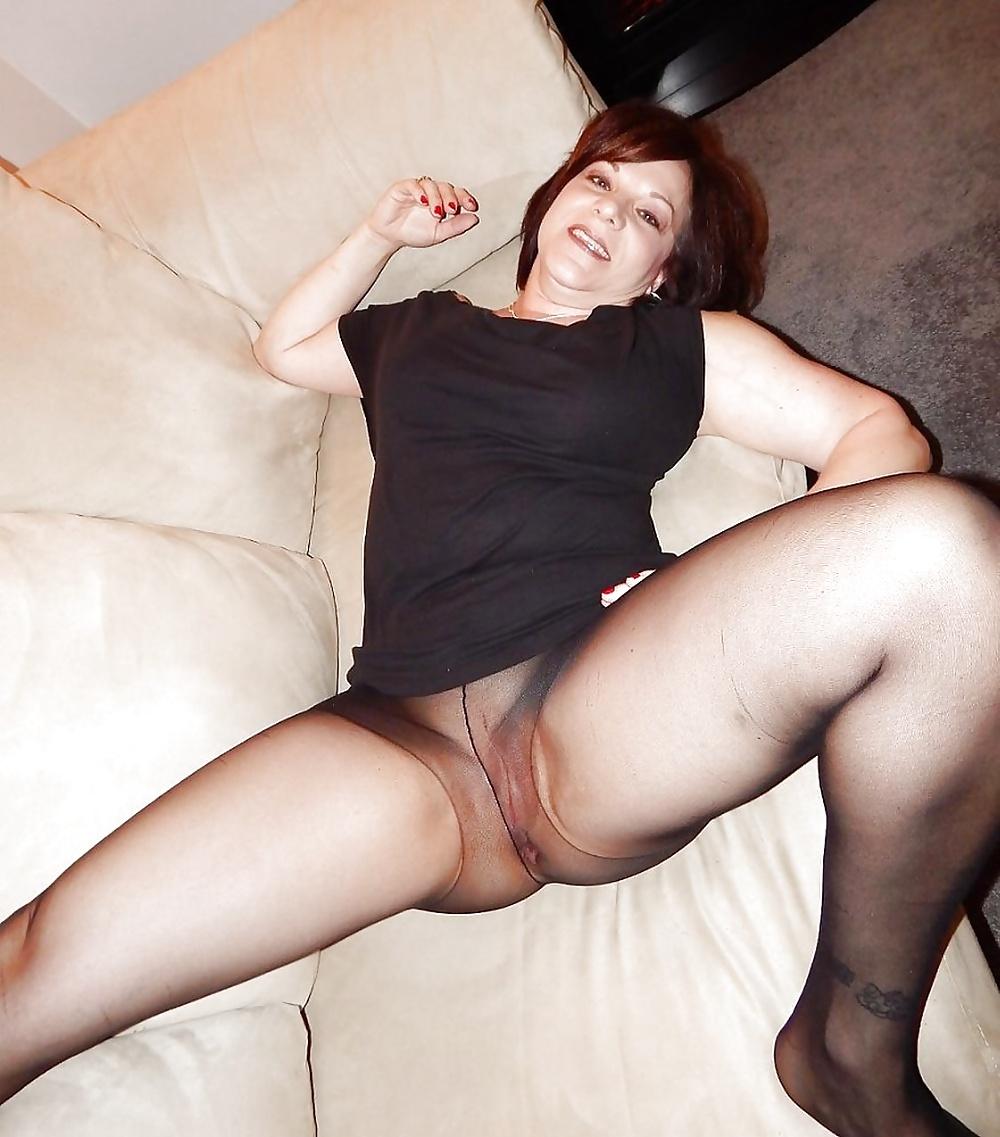 free-nude-wife-pantyhose-pics-bondage