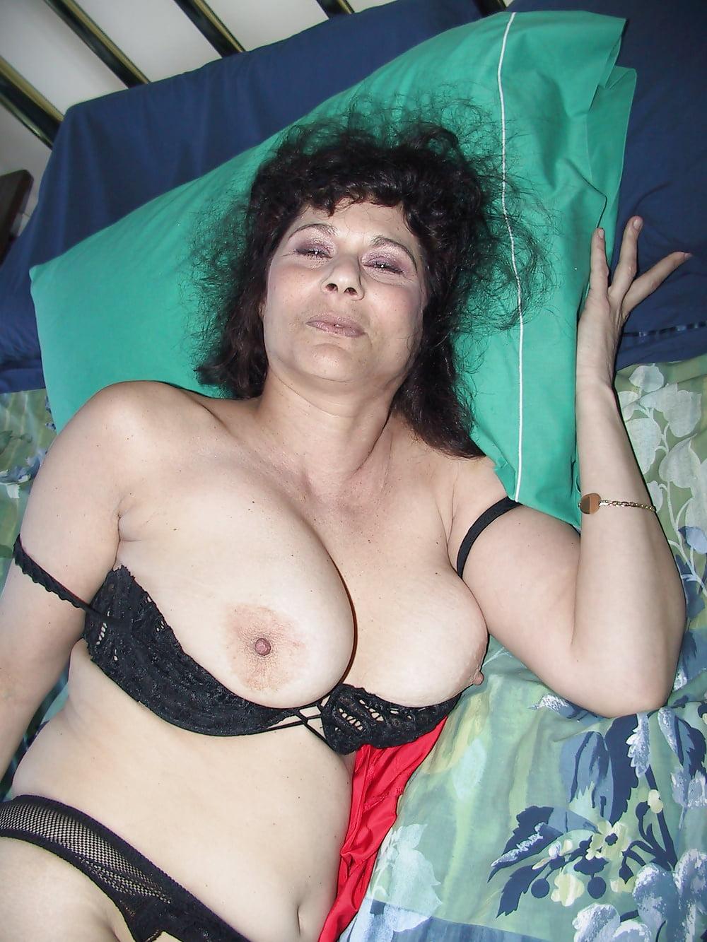 blowjob-mandy-ferguson-swinger-chest-dildo