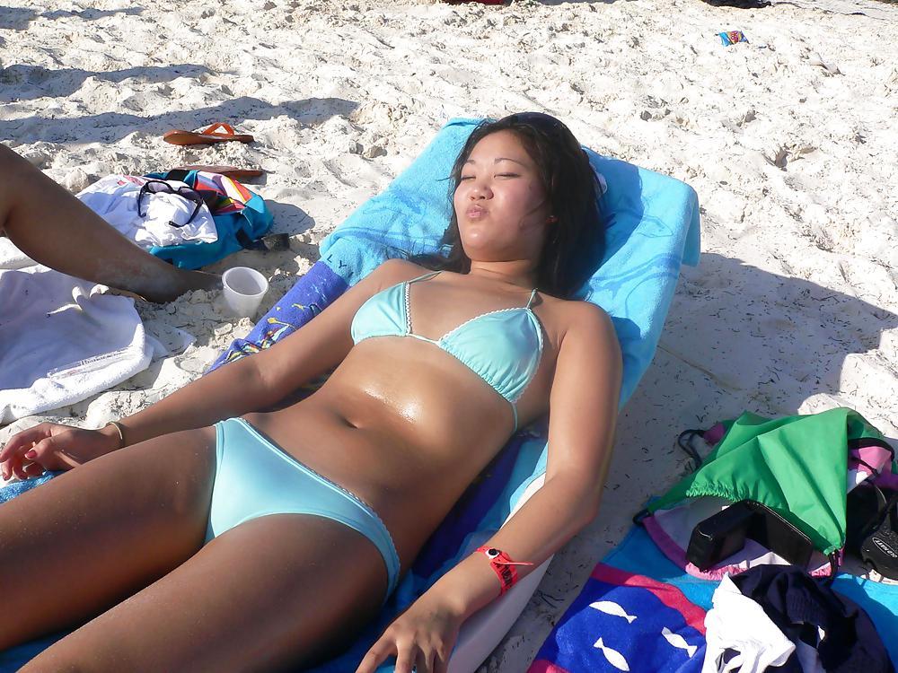 Sexy girls in hot bikinis xxii