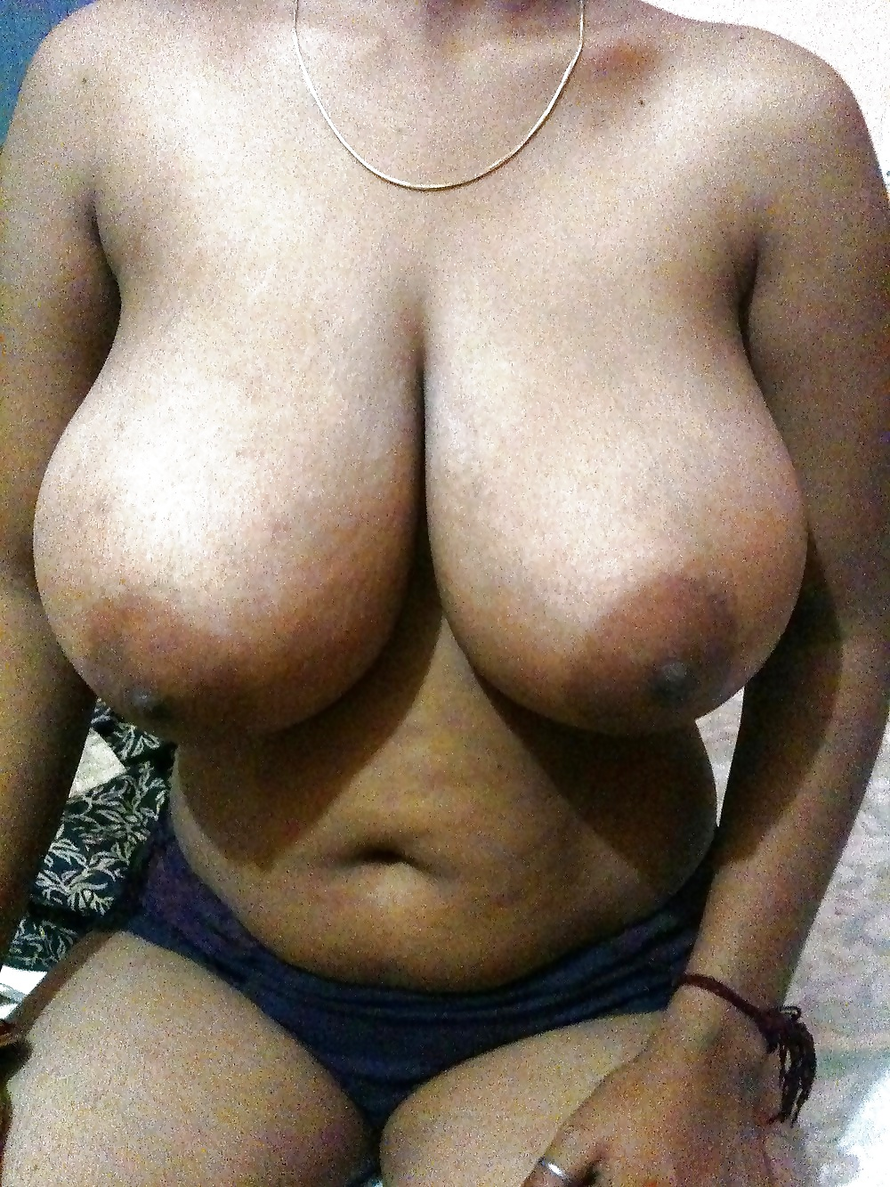 Big indian breast — pic 4