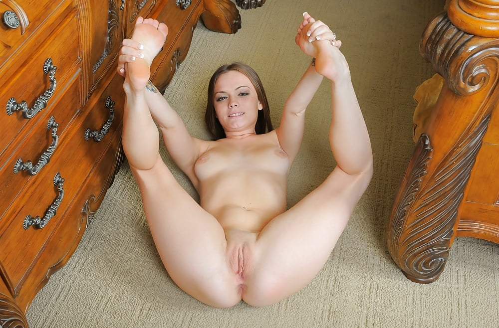 women-legs-spread-naked
