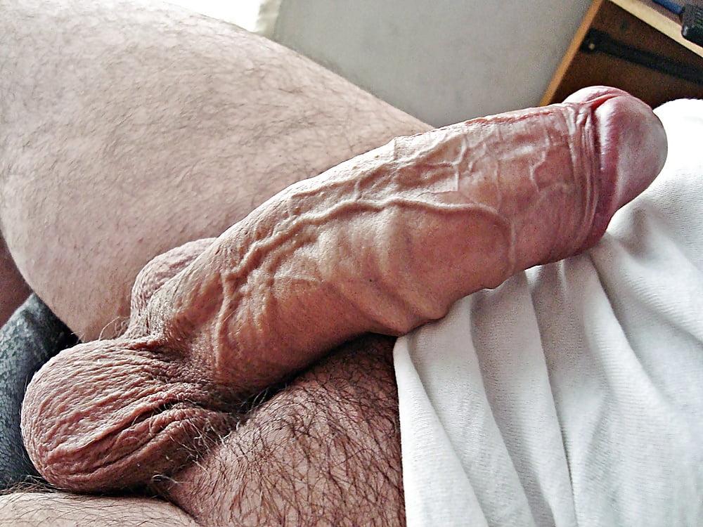 Nude Men Blog