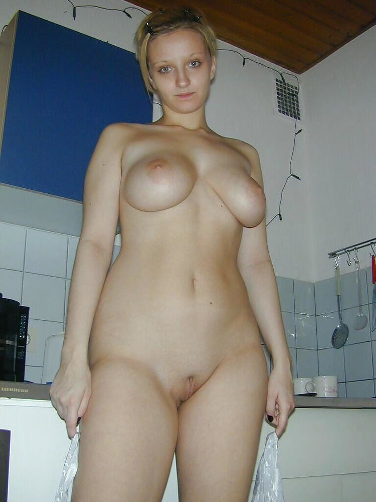 foto-golie-rossiyanki-doma-russkoe-porno-so-zrelimi-porno-onlayn