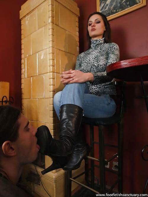 Госпожа воспитывает раба фото