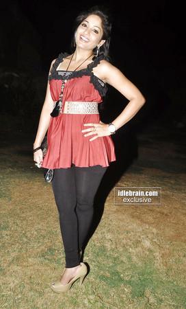 indian volyball girls thighs photos