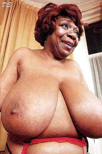 Big Titters And Granny Bush - 28 Pics - Xhamstercom-7253