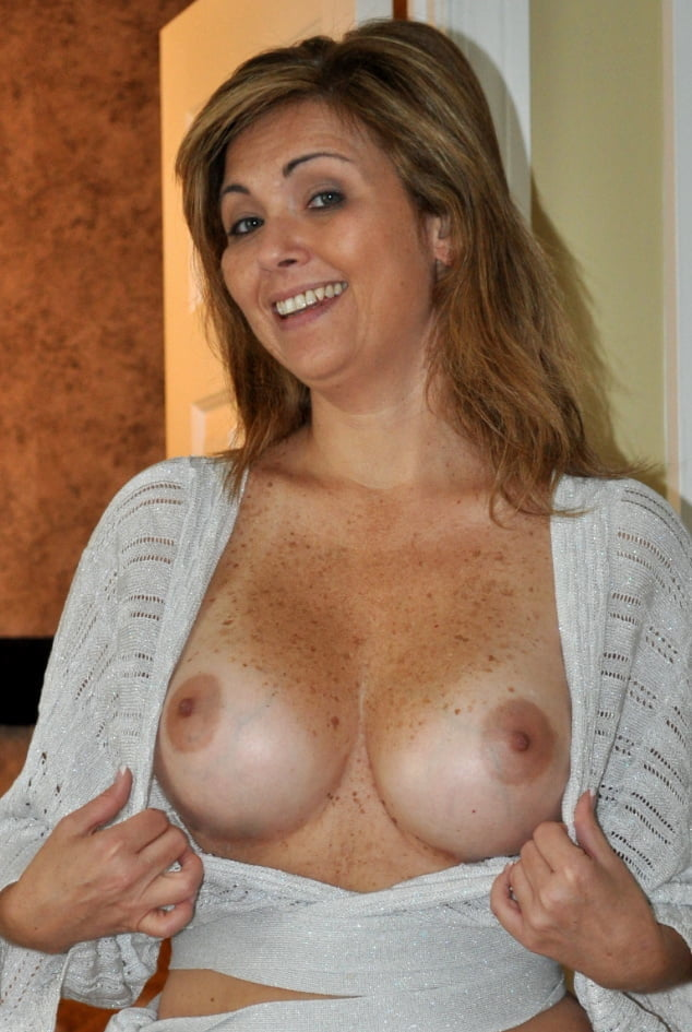 Select Smiling Women with their Tits Out 058