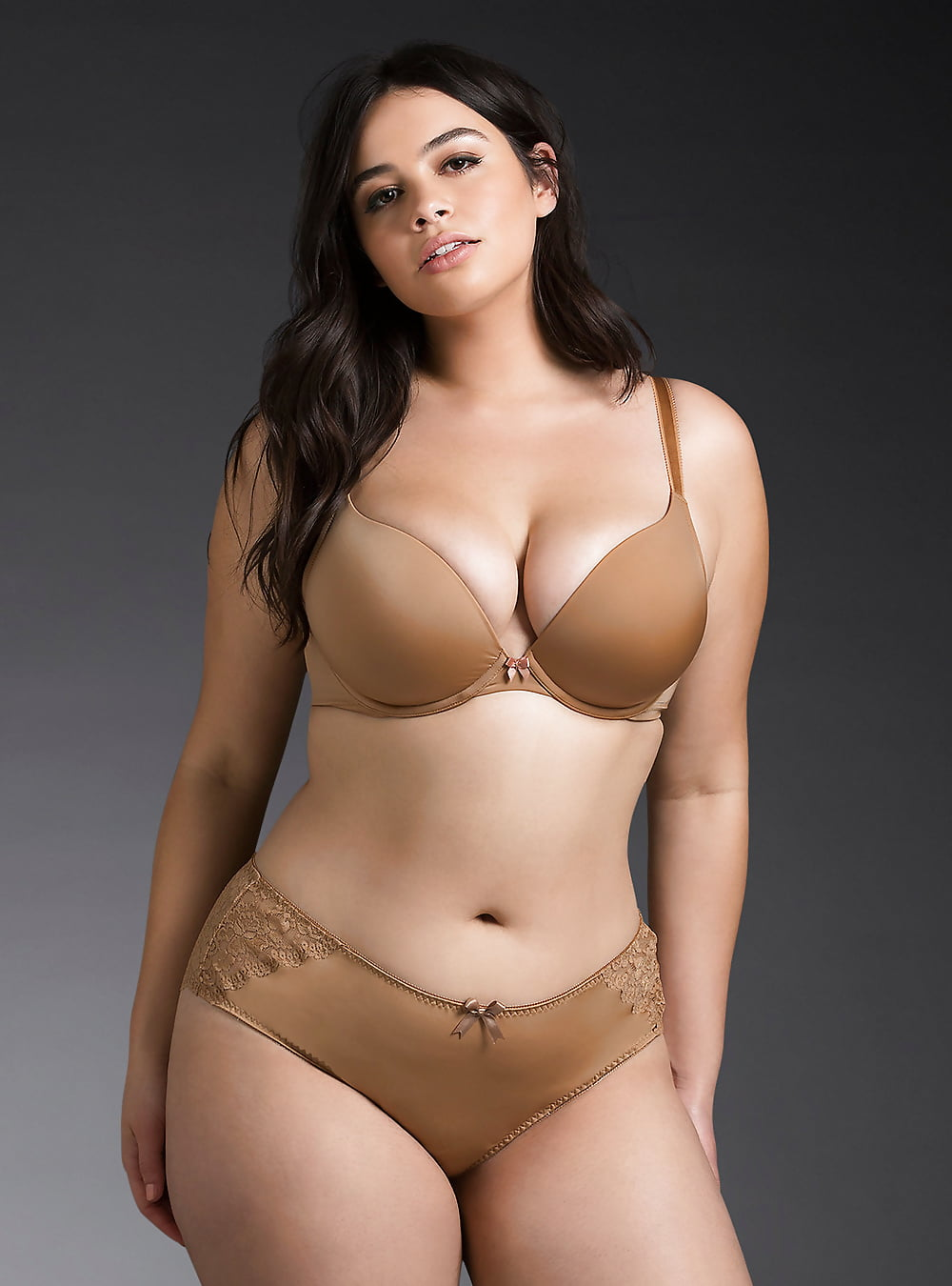 beautiful-naked-plus-size-women-in