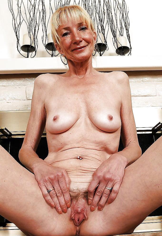 Thin older women naked — photo 3