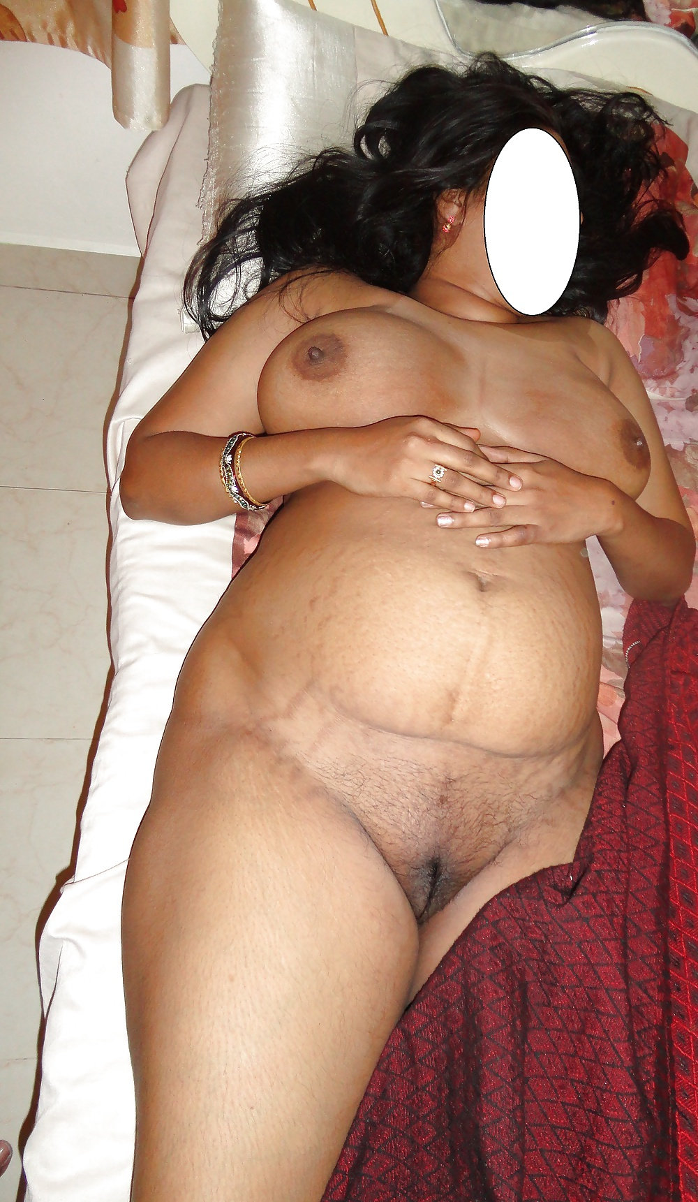 Mature arab aunty pussy