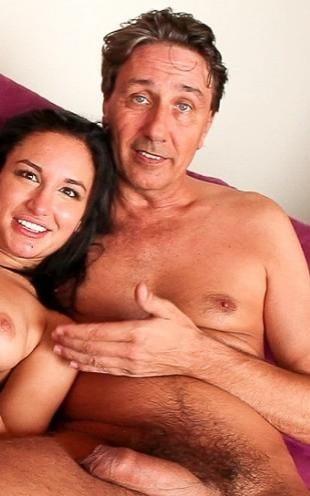 Порно с стиву холмсу видео пьяной женой