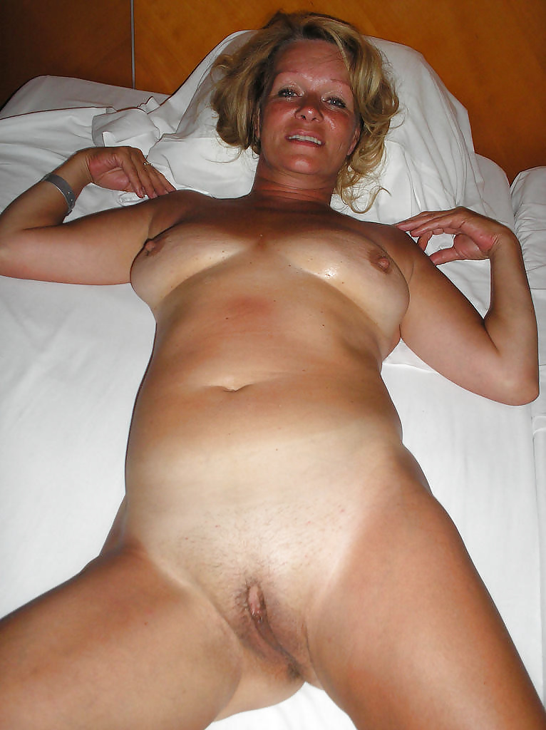 amateur-mature-nude-pics-naked-amateur-wife-pictures