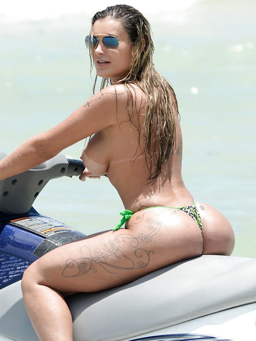 Andressa Urach Porn Pics miss butt brazil model andressa urach on a beach in miami