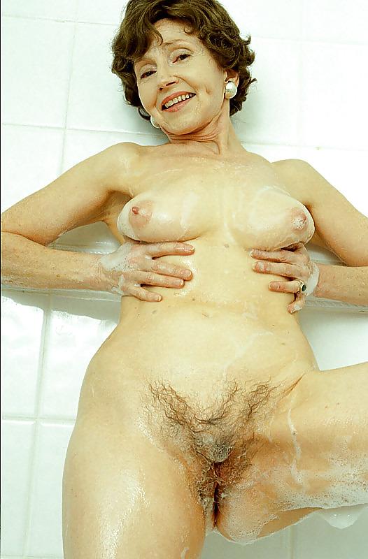 Granny solo porn