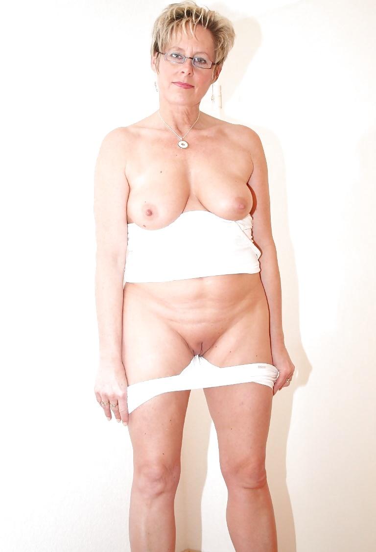 Mature mom tits-7572