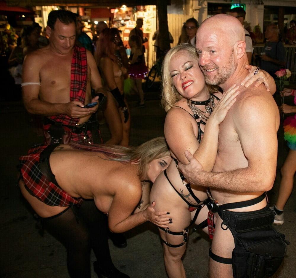 Nakdegirls david show people having sex porn