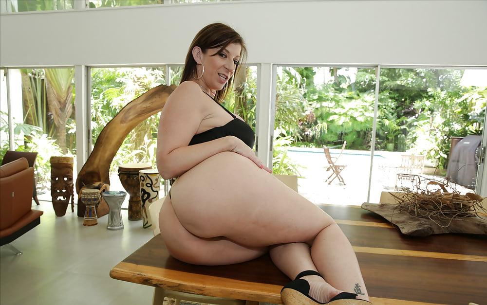 Sara Jay 4