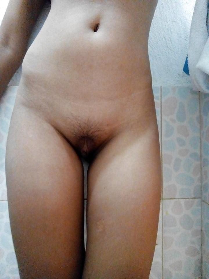 19 years old girl - 41 Pics