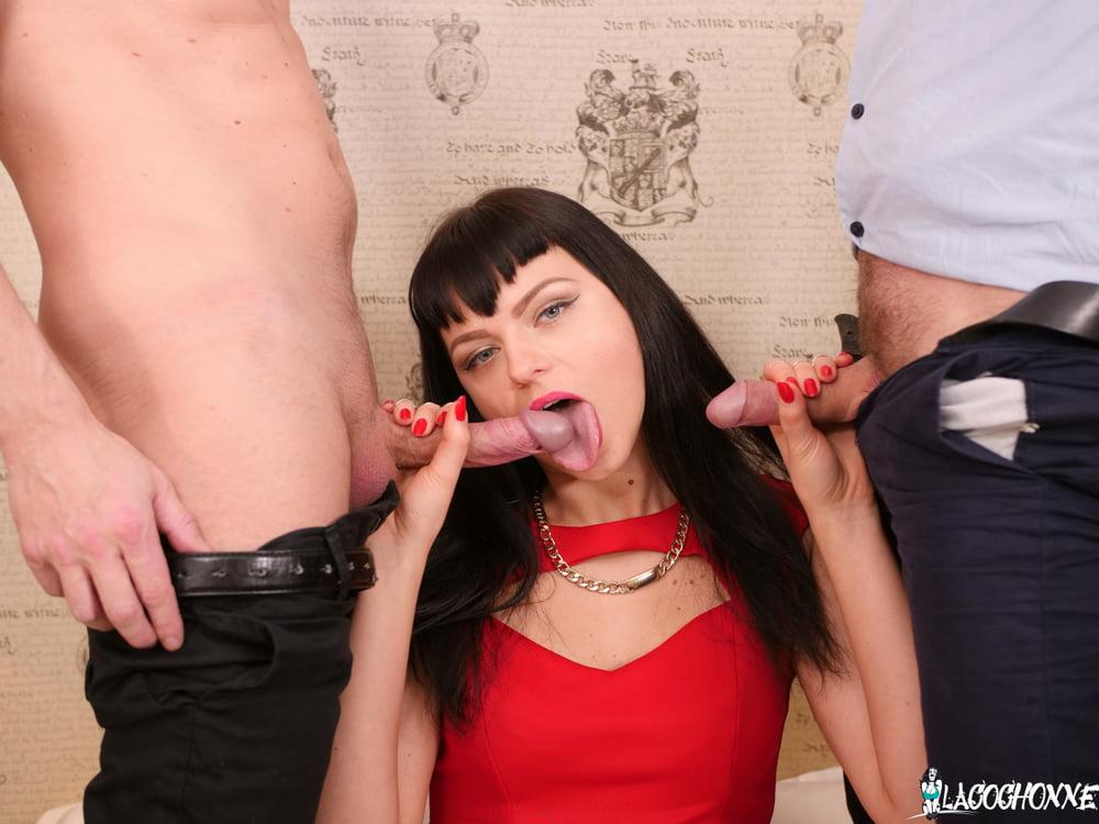 Big Ass MILF Threesome Double Penetration - 15 Pics