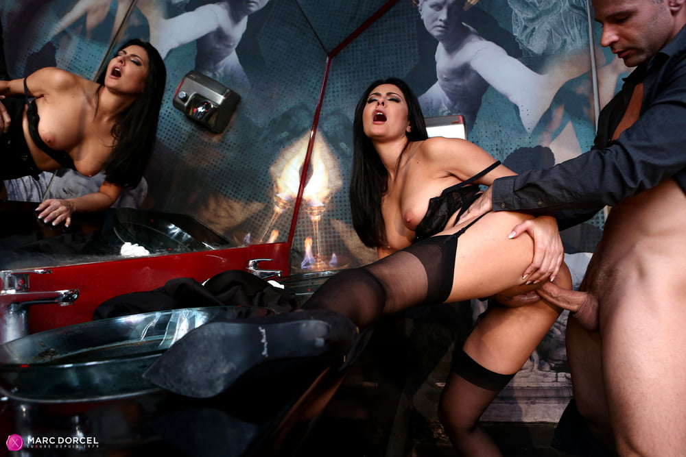 sexe en talons sex in high heels 33 - 56 Pics