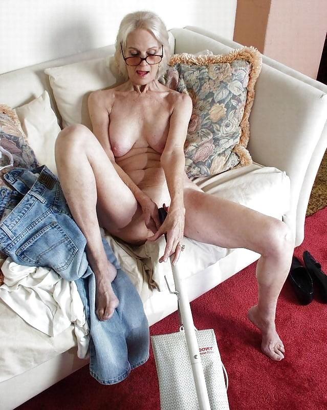 Видео упругие старушки, минет снято близко
