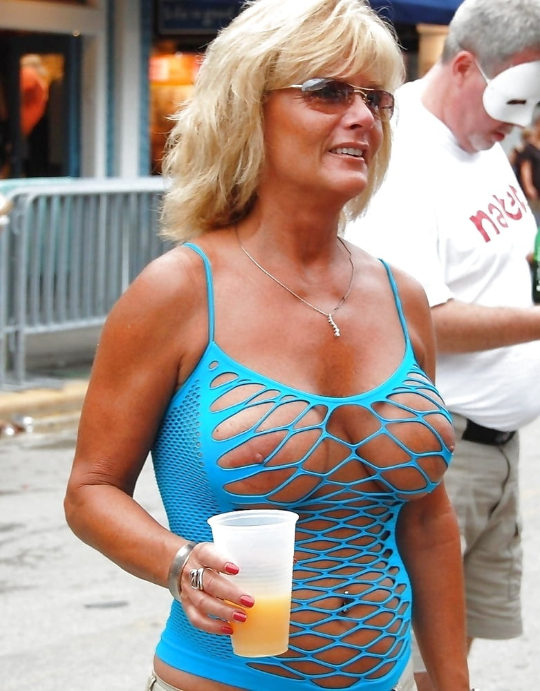 Hot horny naked wives-9500