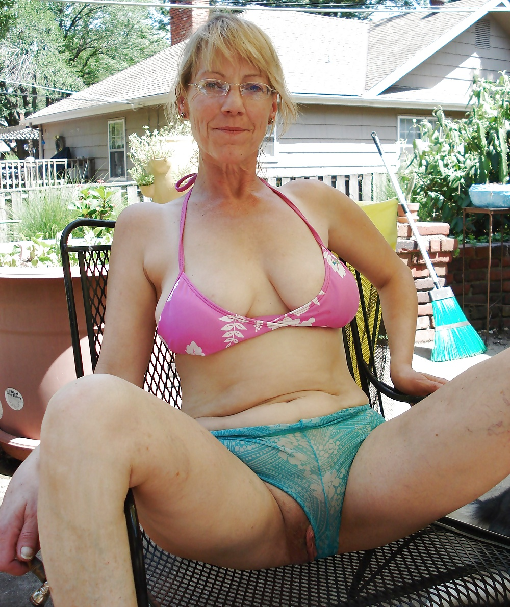 Old mature hairy granny panties