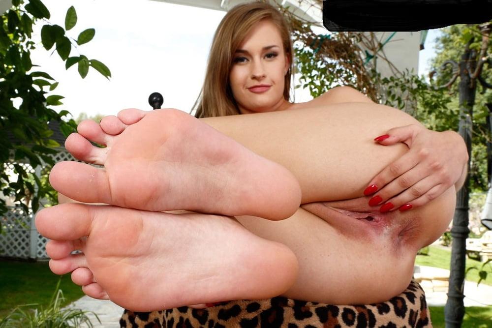 foot-fetish-brooke