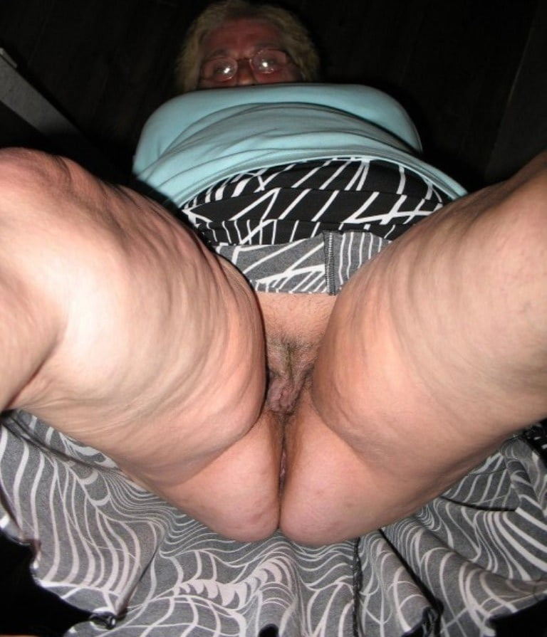 Sexy dirty wrinkled high arch girls — pic 3