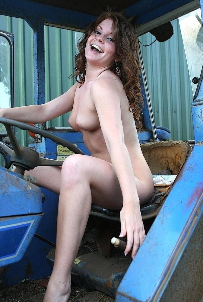 Pictures of older naked ladies