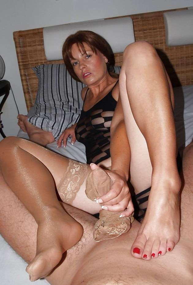 nylon-mature-wives