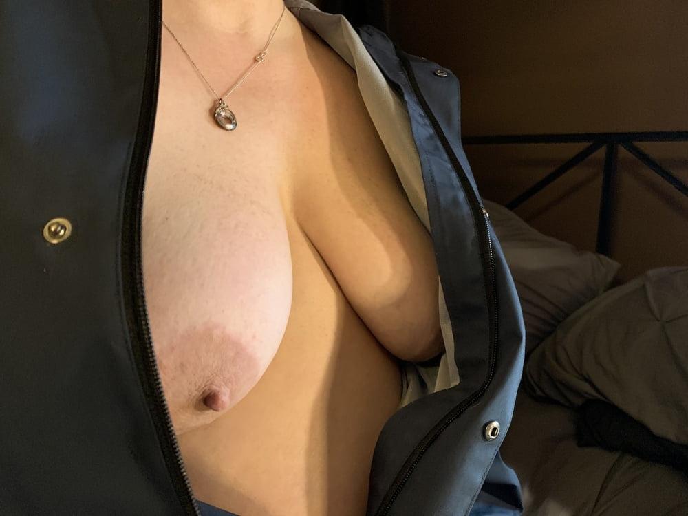 Sexy BBW Raincoat Slick Pussy - 50 Pics